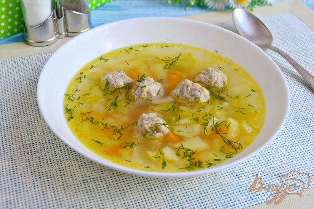 суп с капустой и картошкой и курицей