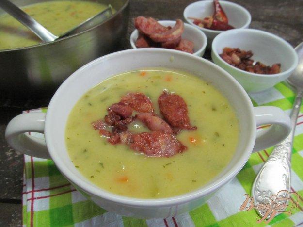 фото рецепта: Кремовый суп с беконом и колбасками