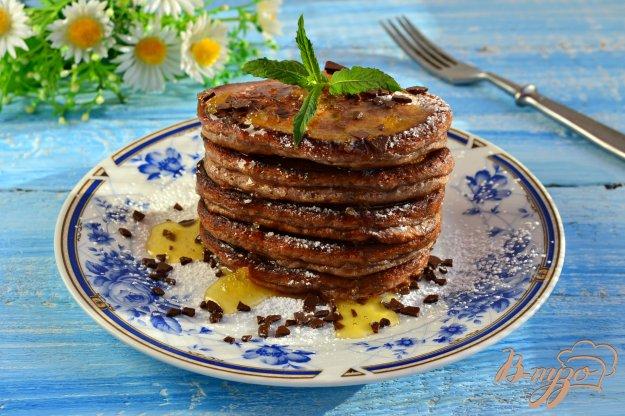 фото рецепта: Шоколадные оладьи с грецкими орехами