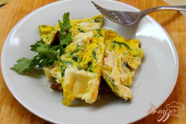 фото рецепта: Шпинатный омлет с плавленным сыром