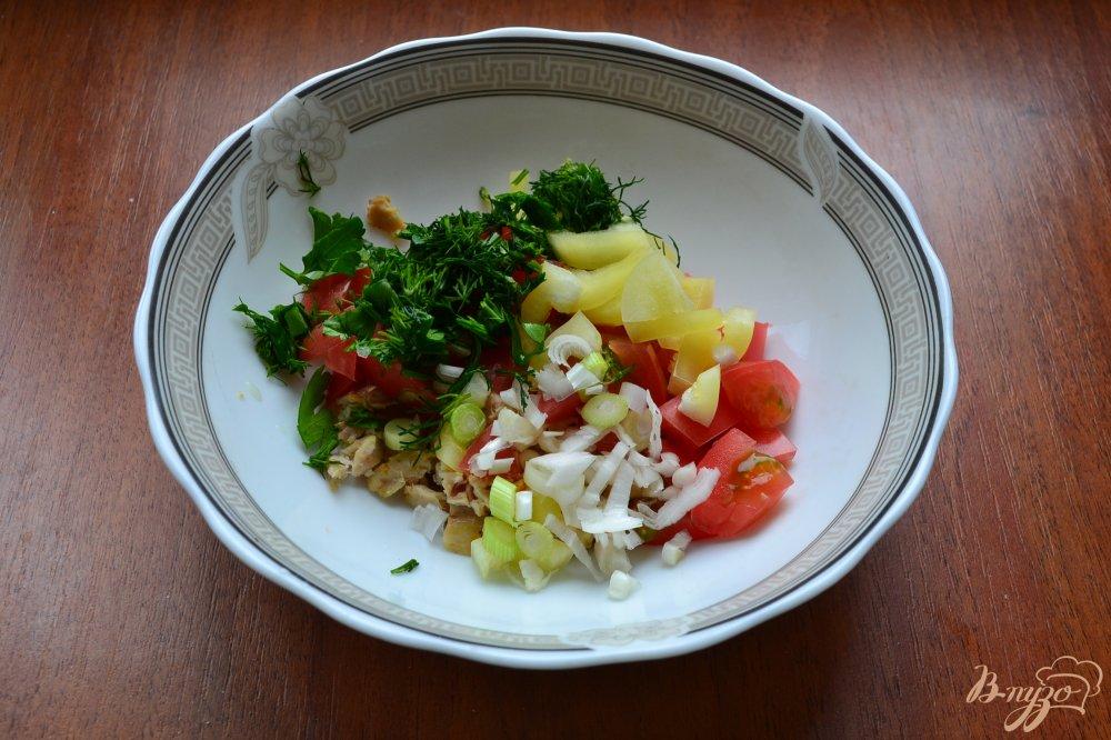 Салат из брынзы курицы и помидоров