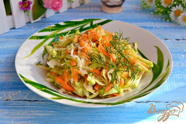 фото рецепта: Салат из кабачков и капусты