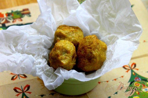 фото рецепта: Картофельные шарики с кабачком во фритюре