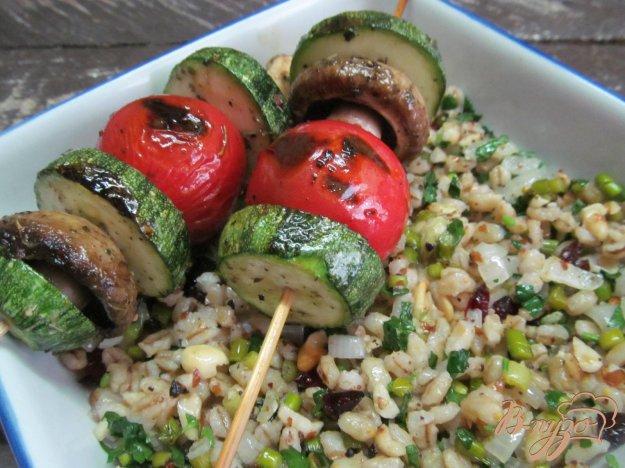 фото рецепта: Овощные шашлычки на перловке