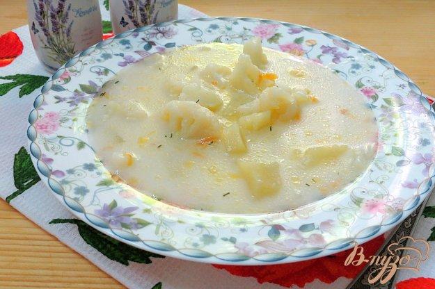 фото рецепта: Суп с цветной капустой, плавленым сыром и грибами
