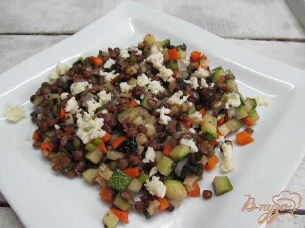 фото рецепта: Теплый салат с чечевицей