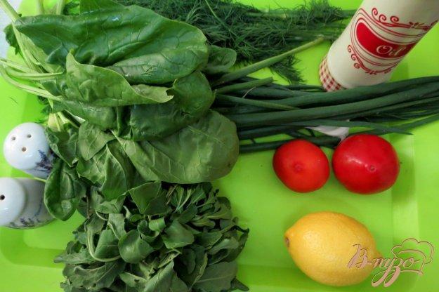 фото рецепта: Салат с рукколой, шпинатом и помидорами
