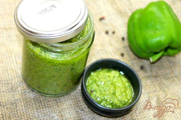 фото рецепта: Летний соус с перцем и зеленым луком