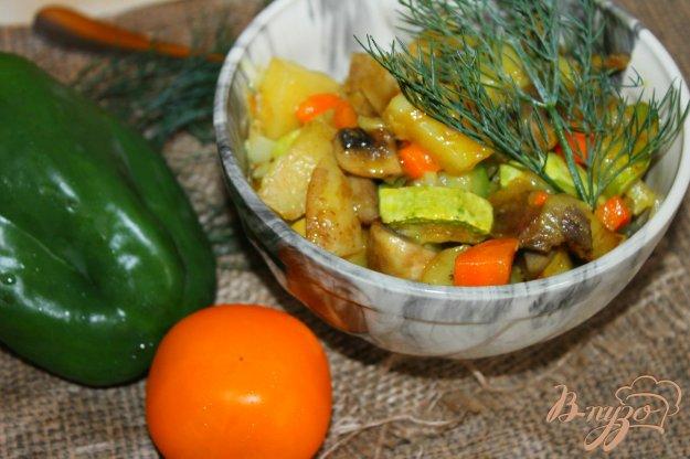 фото рецепта: Рагу из молодых овощей с куриным мясом