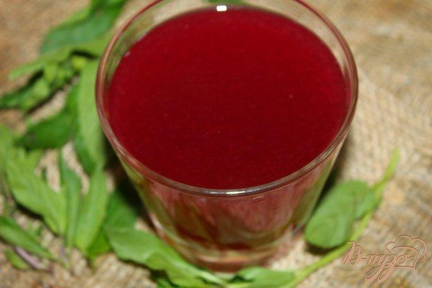 фото рецепта: Вишневый компот с черешней и мятой