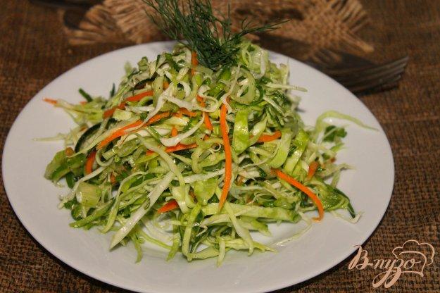фото рецепта: Капустный салат с цукини и огурцом