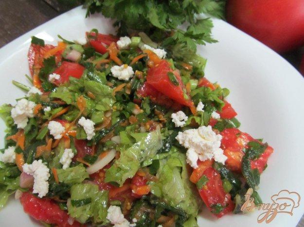 фото рецепта: Овощной салат с крапивой
