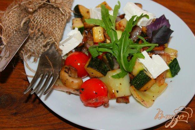фото рецепта: Теплый овощной салат с фетой