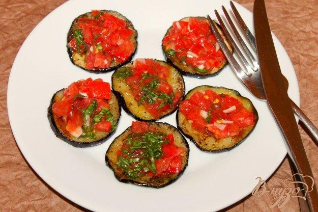 фото рецепта: Баклажаны с помидорной начинкой