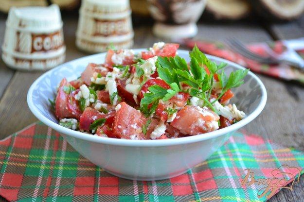фото рецепта: Салат из помидоров с брынзой