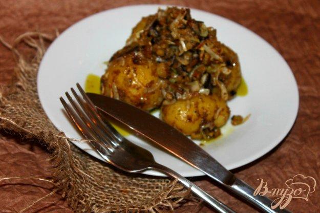 фото рецепта: Молодой картофель с баклажанами и песто