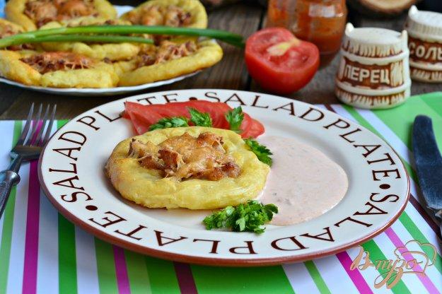 фото рецепта: Картофельные лепешки с куриным фаршем и сыром