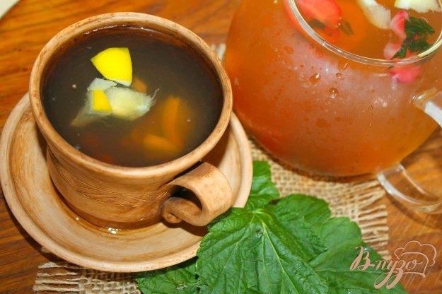 фото рецепта: Холодный мятный чай с ягодами