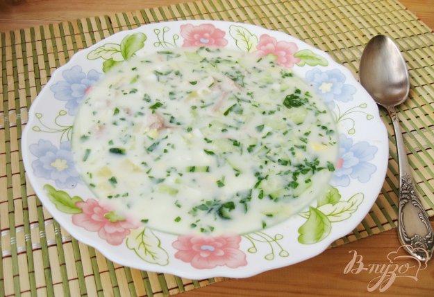 фото рецепта: Окрошка на кефире с маринованным луком