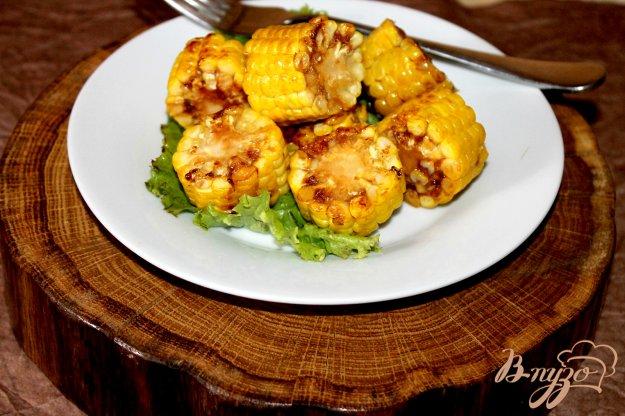 фото рецепта: Молодая кукуруза с чесноком и соусом