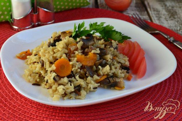фото рецепта: Тайский нешлифованный рис с грибами в мультиварке