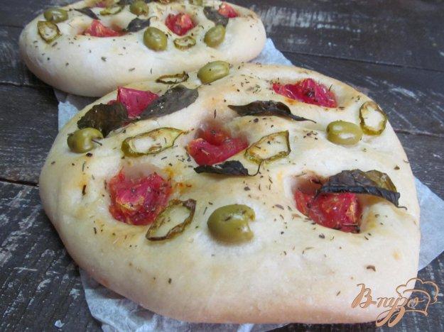фото рецепта: Фоккачча с оливками и острым перцем