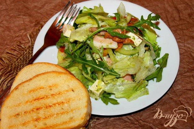 фото рецепта: Салат с беконом, сыром и помидорами