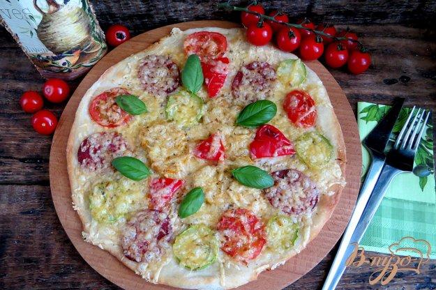 фото рецепта: Пицца чесночная с салями