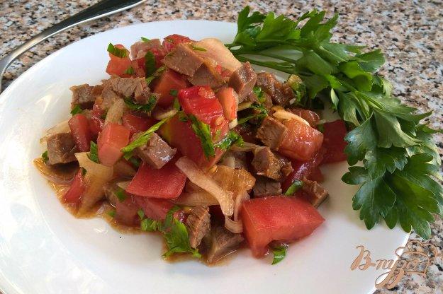 фото рецепта: Салат с помидорами и говядиной