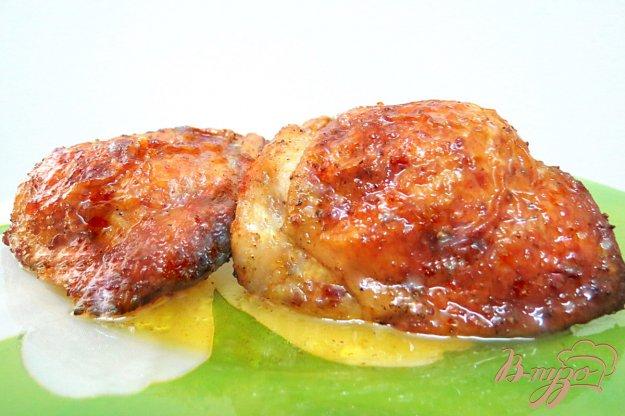 Куриные бедра с черносливом в духовке