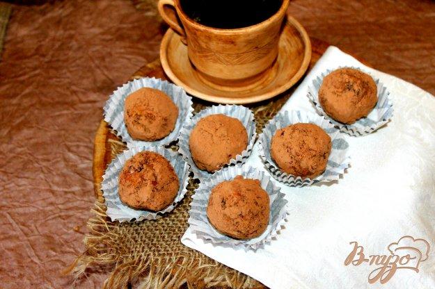 Шарики из бисквита с сухофруктами и миндалем