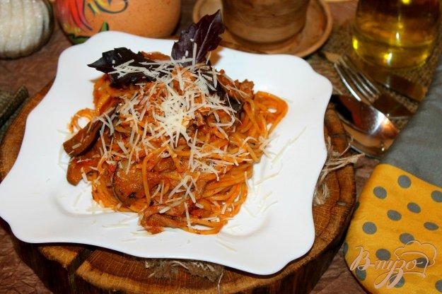 фото рецепта: Томатная паста с утиным мясом и баклажанами