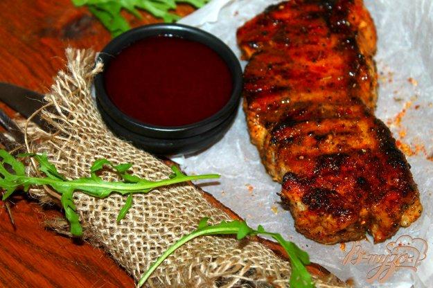 фото рецепта: Свиной балык с ягодным соусом