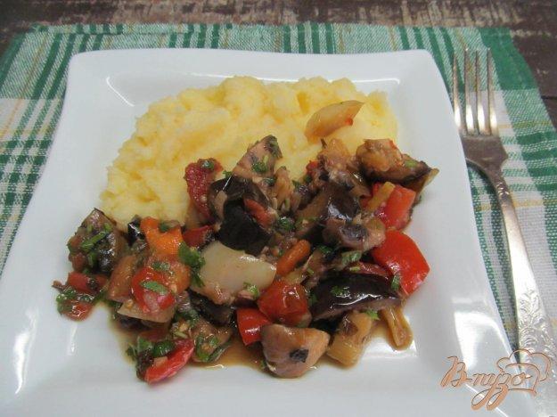 фото рецепта: Аджапсандали с фасолью и грибами
