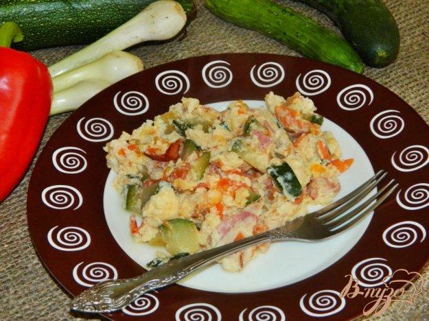 фото рецепта: Омлет с беконом и кабачками