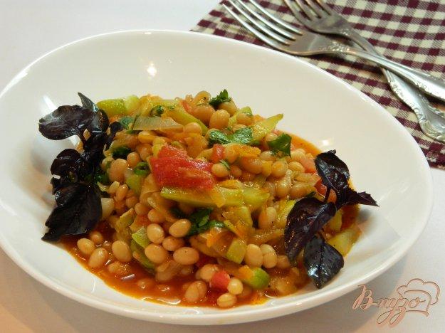фото рецепта: Овощное рагу из кабачков, помидор и фасоли