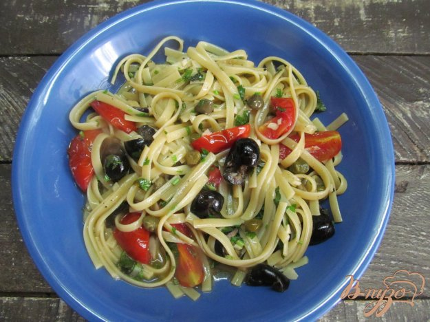фото рецепта: Анчоусная паста с томатами и оливками