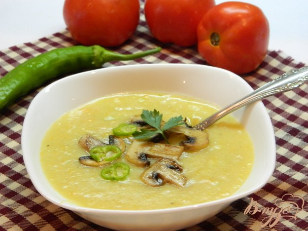 фото рецепта: Суп-пюре из кабачков со сливками и грибами