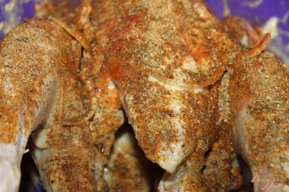 Поздравляем, теперь, вы смело можете приготовить жареную курицу в мультиварке, и вам не надо будет опасаться того, что придется оттирать жировые брызги с варочной поверхности и со стен.