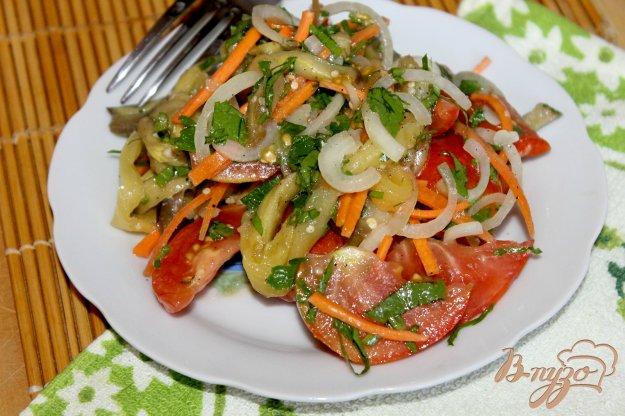 фото рецепта: Салат с печеным баклажаном и перцем