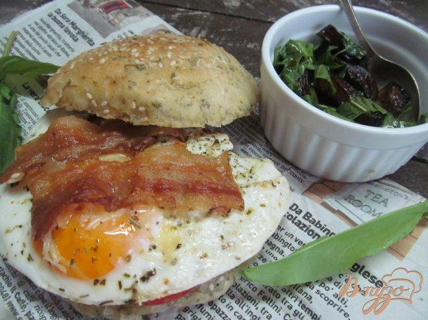фото рецепта: Яичный сэндвич с беконом