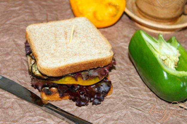 фото рецепта: Тост с овощами гриль и фетой