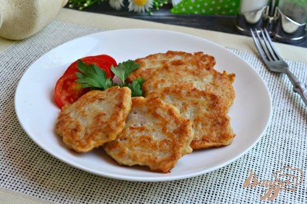 фото рецепта: Оладьи из курицы и картофеля