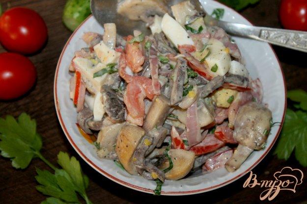 фото рецепта: Деревенский салат с отварным свиным легким, грибами и яйцом