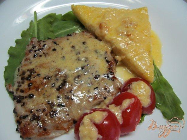 фото рецепта: Свиной эскалоп под сырным соусом