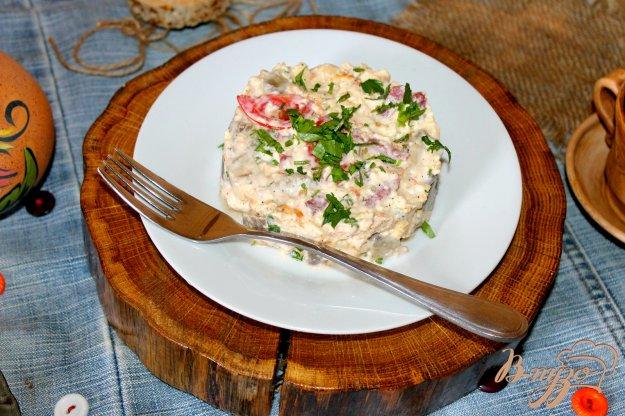 фото рецепта: Салат с омлетом, печеным баклажаном и помидорами