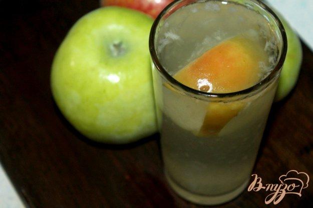 фото рецепта: Компот из домашних груш и яблок