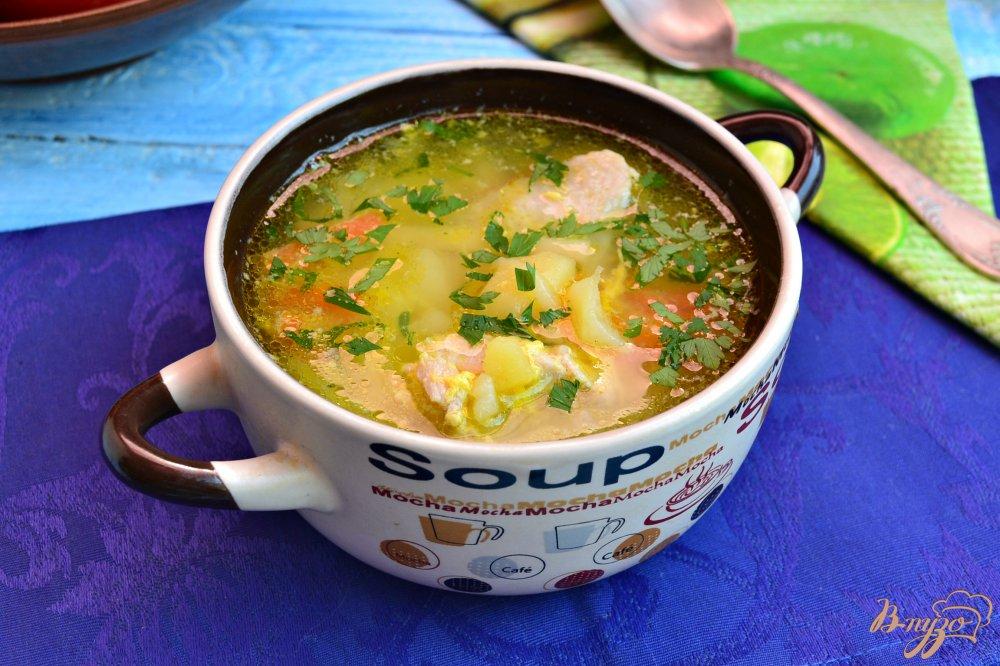 Фото приготовление рецепта: Куриный суп с лапшой и яйцом шаг №8