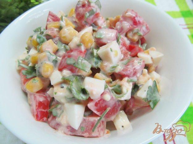 фото рецепта: Салат из помидора и кукурузы
