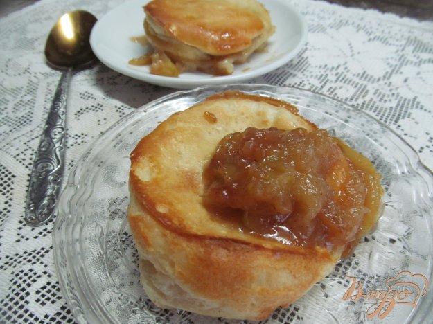 фото рецепта: Йоркширские пудинги с карамельным яблоком